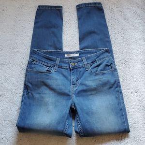EUC Levi's 535 super skinny jeans size 28
